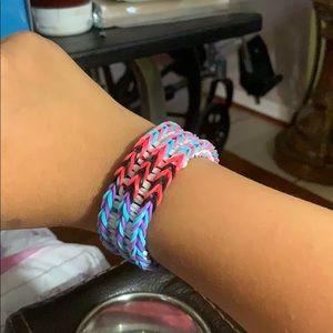 Jewelry - Triple fishtail braclets